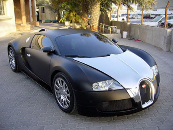 2007 bugatti veyron side view