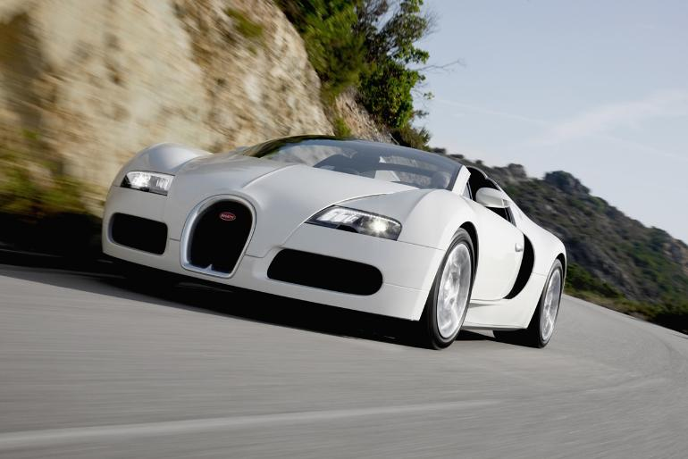 bugatti at full speed