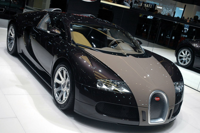 is the bugatti veyron street legal